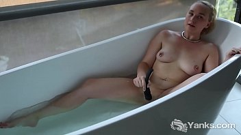 Water, Nipple play, Tub