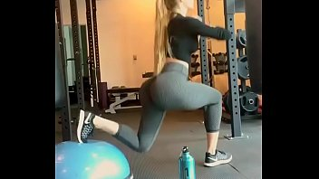 Yoga, Tight pants