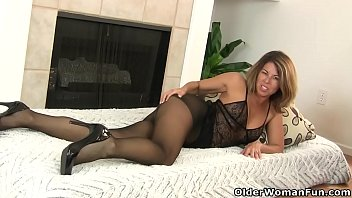 Pantyhose, Nylon, Mature nylon, Milf nylon, Nylon mature, Mom